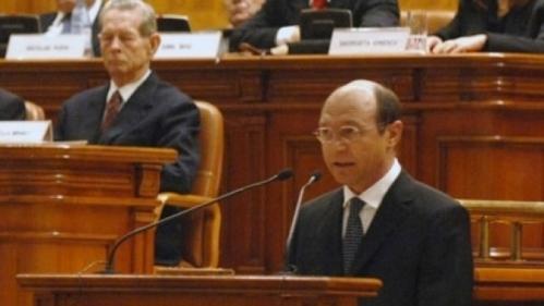 regele-mihai-in-parlament