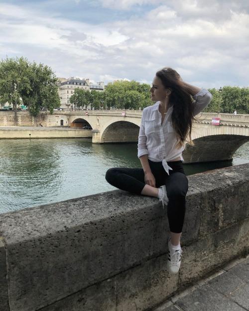 Natalia Țurcan - Catedrala Notre Dame din Paris